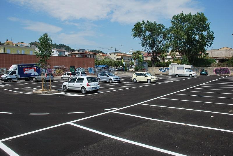 Парковка в Италии бесплатная