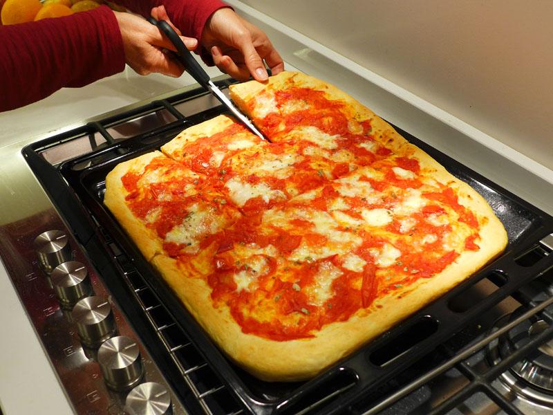 Итальянская пицца буон аппетито!