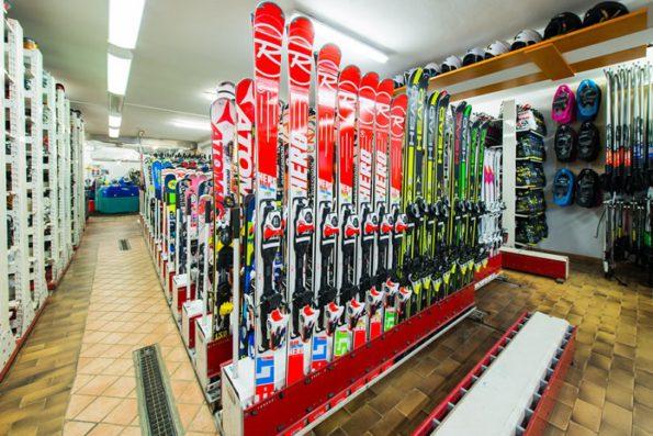 Сколько стоит прокат лыж в италии
