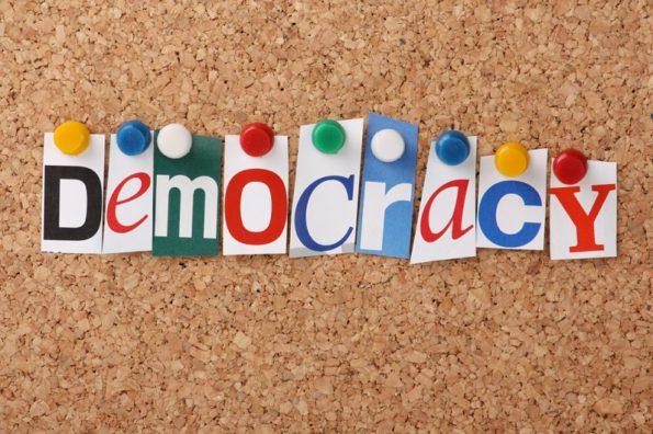 Демократия в Италии